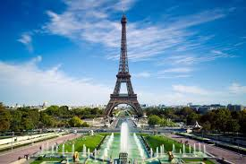 تحت سماء باريس